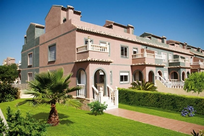 Sierra Golf : This brand new Townhouse ´Eagle´consists of 2 bedrooms and 1 bathroom, spaci