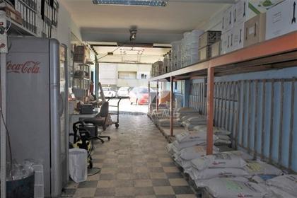 Armazém com licença para comércio, 90m2 na Damaia, junto à P...