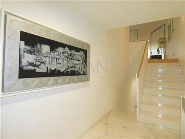 Moradia de Luxo V4 - Living Boavista - Construção J. Camilo