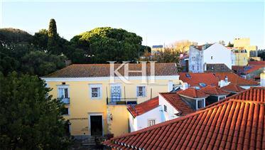 Apartamento autêntico de Lisboa modernizado