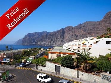 Apartamento de 2 habitaciones con vistas al mar en Los Gigantes Precioso apartamento direc...