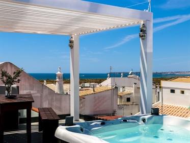 Moradia com terraços com vista panorâmica de mar e jacuzzi m...