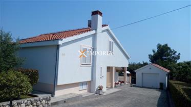 House in a beautiful location in Petrčane, close to the sea