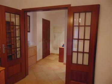Apartamento T2 em Faro-Gambelas