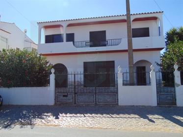 Moradia T5 em Faro - Bela Curral