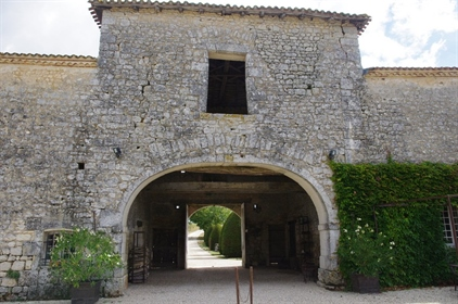 Fully restored 15th Century Logis
