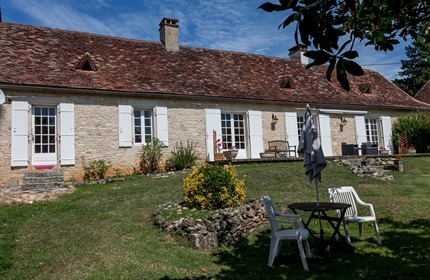 3 Bed House with 2nd house to renovate and barn.