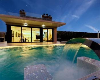 Villa de lujo en Cabo Roig, Orihuela Costa, Alicante. La vil...