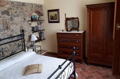 Bellissima casa colonica nelle campagne di Chianni