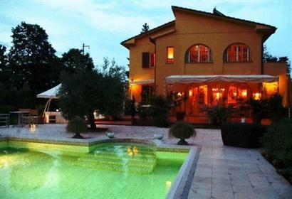 Villa in vendita con vista mare