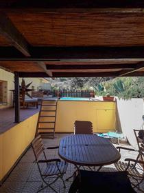 Luminoso appartamento con piscina