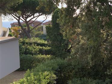 Signorile appartamento con giardino