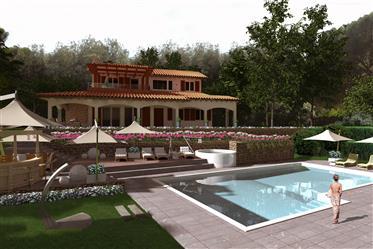 Villa suggestiva con piscina e vista mare sulla costa toscan...