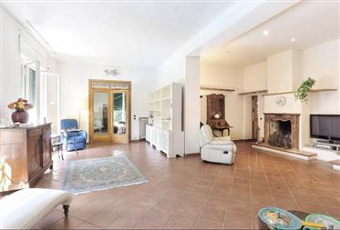 Huis: 270 m²