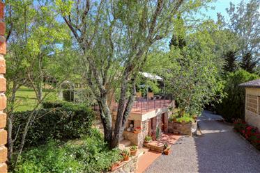 Ancienne ferme avec de belles vues sur San Gimignano