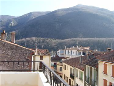 Renovated 6 - 8 bed village house with 2 roof terraces and v...