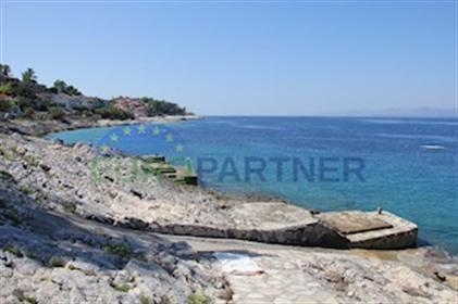 Prekrasna vila uz more, otok Korčula Vila se nalazi na otoku...