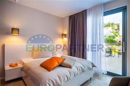Villa de luxe à 30 mètres de la mer, île Ciovo Une villa de luxe exceptionnelle de l'archi