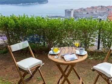 Maison en pierre avec une belle vue sur la mer dans le centre de Dubrovnik Cette belle mai