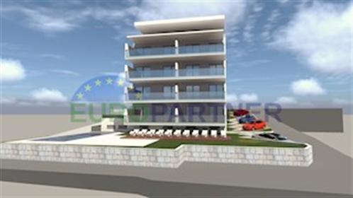 Stanovi u novogradnji u blizini mora Zgrada se nalazi dva ki...