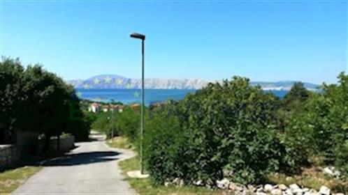 Dva zemljišta sa panoramskim pogledom na more U našoj ponude...