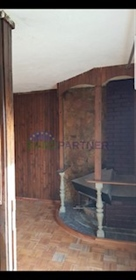 Semi-Detached house with parking-Kastel Luksic There is a house that offers a lot of poten
