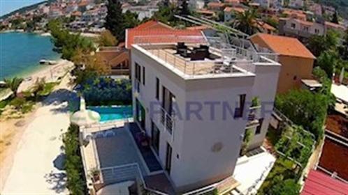 Prvi Red Do Mora, Luksuzna vila sa bazenom, Trogir Iznimna l...