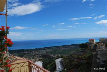 Maison de village avec une vue imprenable sur la magnifique côte ionienne