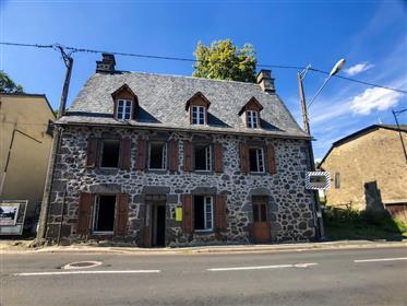 Ensemble Maison À Rénover Et Grange Avec Terrain