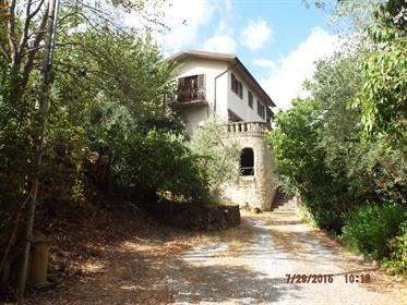 Villa singola in vendita a San Giuliano Terme, in buono stat...