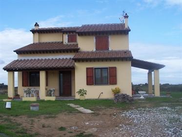 Villa singola in vendita a Fauglia, in ottimo stato - Rif. A...