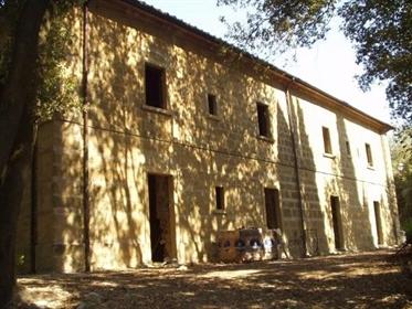 Villa individuelle à vendre à Volterra, être revu-réf. Ayf03
