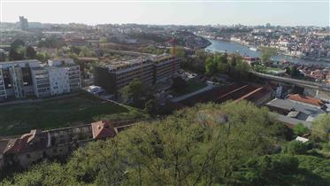 Zona Histórica - Gaia - Ribeira - Vistas - Condomínio Fechad...