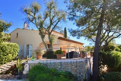 Vente villa provençale vue mer, domaine privé, Grimaud