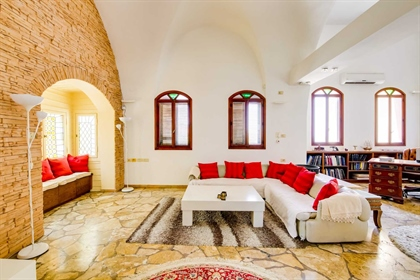 House: 160 m²