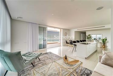 Luxury Seafront Apartment