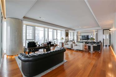 Exquisite Luxury Apartment in Meier on Rothschild