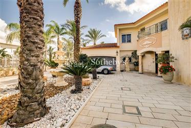 Unique Mediterranean Luxury Villa