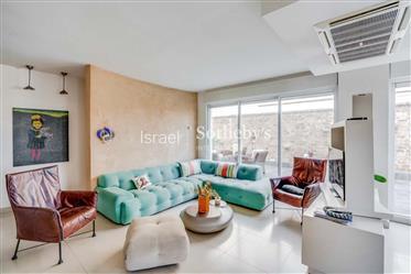 """דירה : 177 מ""""ר"""