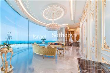 Penthouse raffiné de style baroque en bord de mer