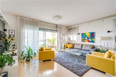 Elegant Apartment in North Tel Aviv