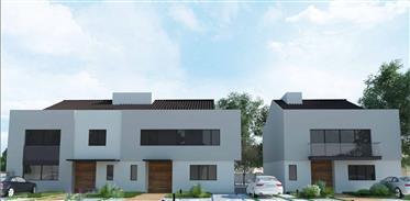 Terreno: 600 m²