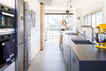 דירה מודרנית ליד שדרות רוטשילד