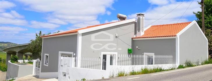 Vivenda: 245 m²