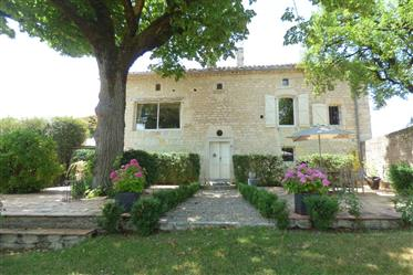Exceptional Property On Over 5 Acres Of Land With Dominant V...