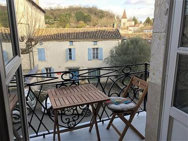 Apartment With Balcony Centre Village Montcuq
