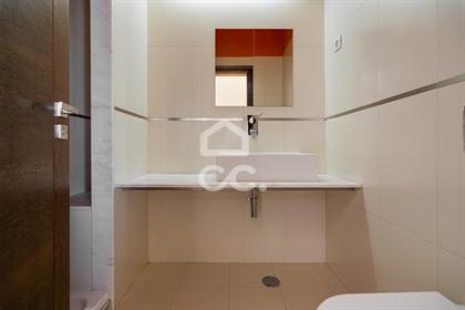 Moradia unifamiliar T5 de gaveto, com piscina | Bairro da Casinha (Évora)