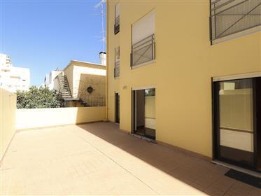 T3 Centre de Faro, avec terrasse et garage