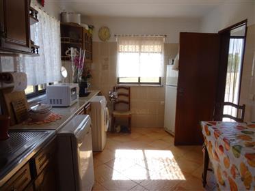 Vivenda: 174 m²