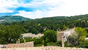 Résidence Hotelière 3 étoiles comprenant 8 appartements